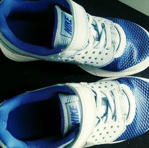 Girls size 13c Nike shoes